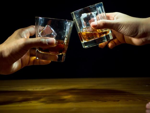 Whiskey celebration Premium Photo