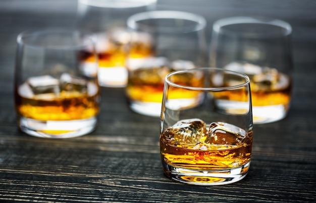 Whiskey glass Premium Photo
