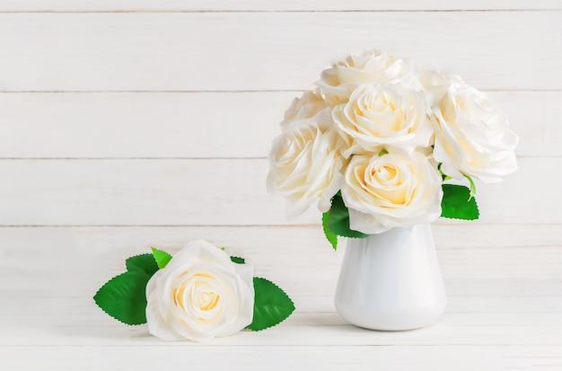 White Artificial Roses In Vase Photo Premium Download