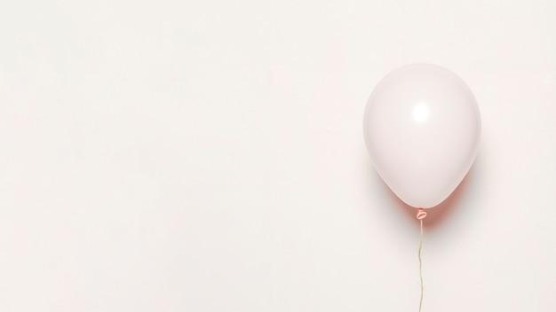 白い風船 Premium写真