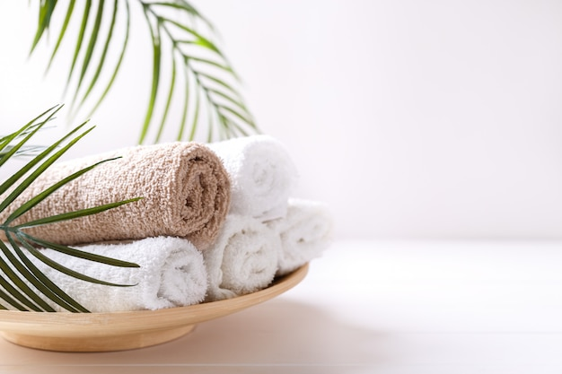 White and beige towels Premium Photo