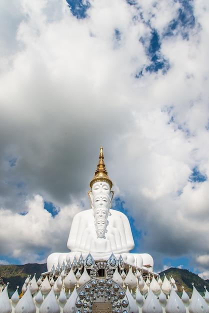 White buddha Premium Photo