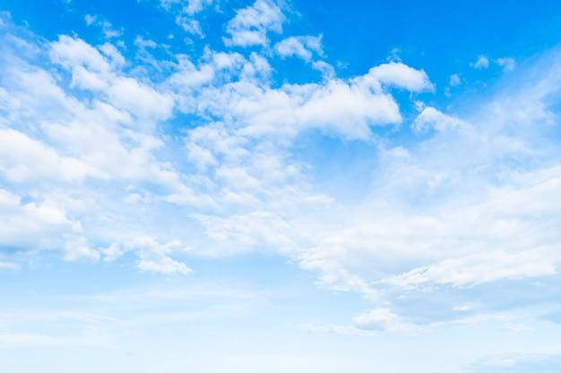푸른 하늘에 흰 구름 무료 사진