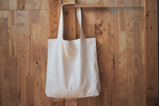 White cotton linen shopping bag Premium Photo