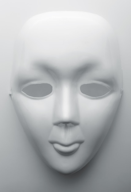 White face mask Premium Photo