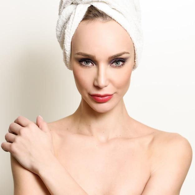 White face person perfect bathroom Free Photo