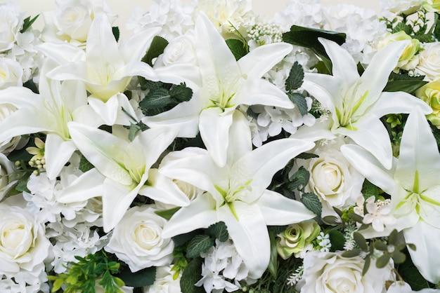 White flowers wedding photo premium download white flowers wedding premium photo mightylinksfo