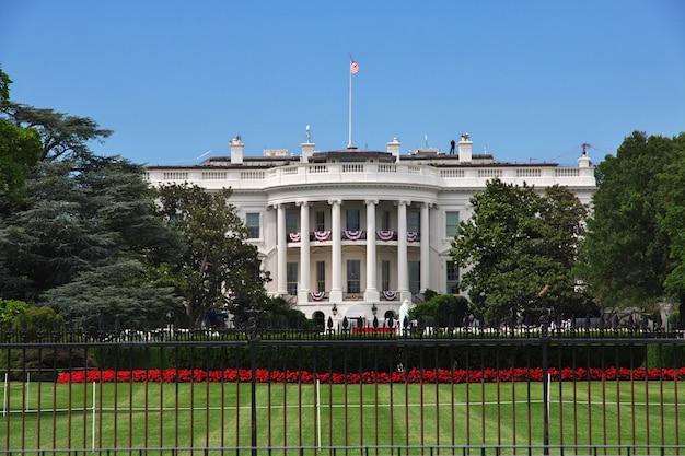 White house in washington, united states Premium Photo