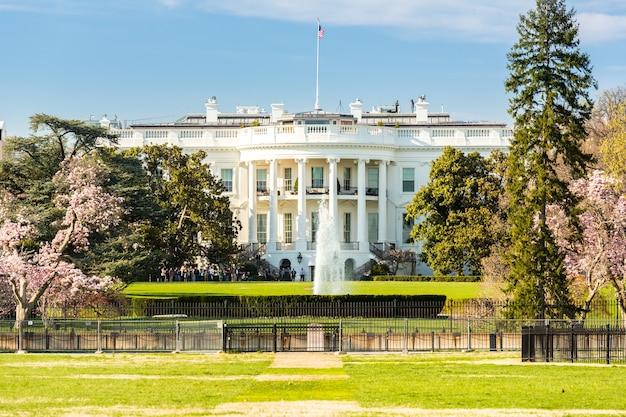 The white house Premium Photo