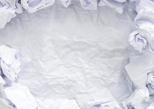 テーブルの上のホワイトペーパー 無料写真