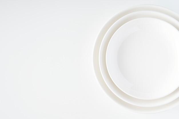 Белая тарелка Premium Фотографии