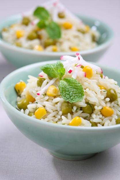 白いご飯と野菜。 Premium写真