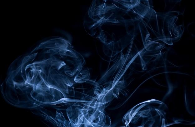 검은 배경에 흰 연기 컬렉션 무료 사진