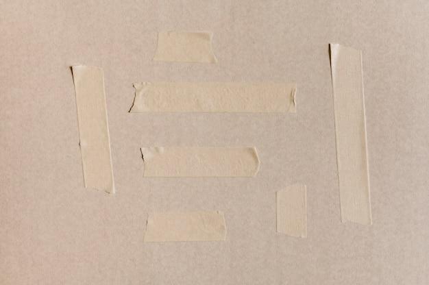 コンクリートの壁に白いテープ 無料写真