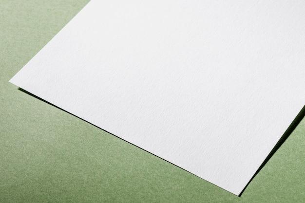 Белая текстурированная бумага крупным планом под высоким углом Бесплатные Фотографии