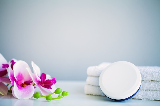 White towels on white table with copy space on bathroom Premium Photo