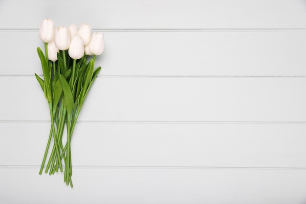 White tulips bouquet with copy-space Free Photo