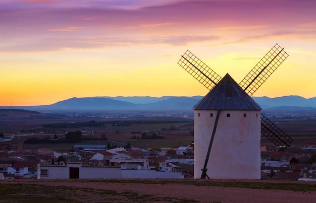 Wind mills at campo de criptana in evening Premium Photo