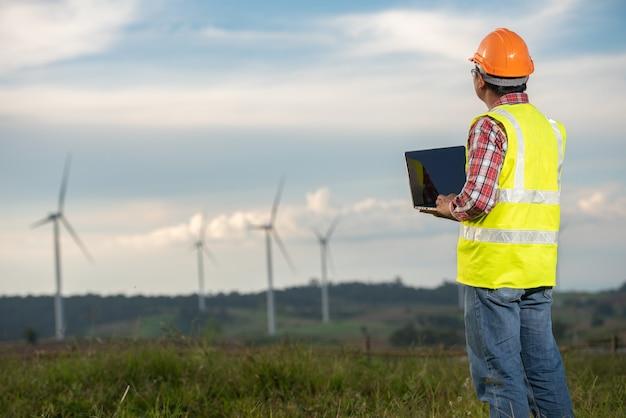 Wind mills engineer Premium Photo
