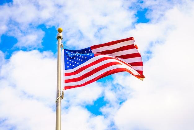 Ветер небо, лето, американские развевающиеся Бесплатные Фотографии