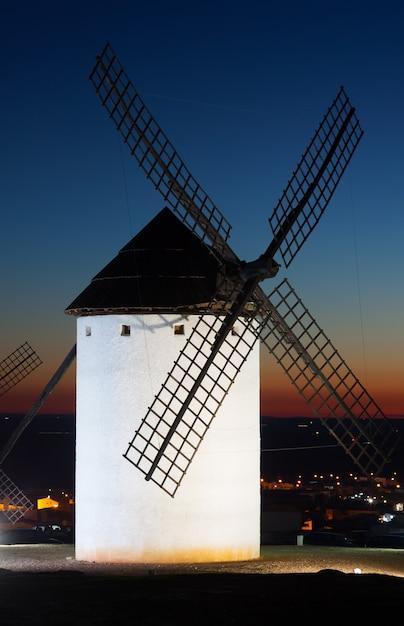 Windmill  in sunset Premium Photo