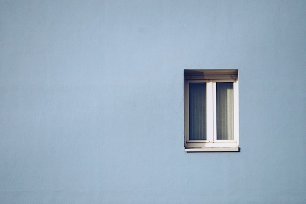 Window in the facade Premium Photo