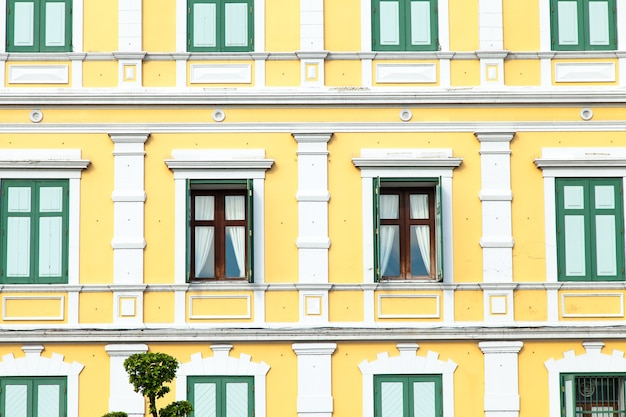 Window with light yellow walls. Premium Photo