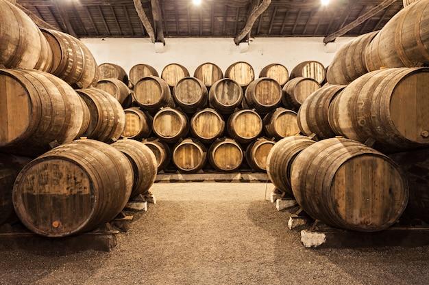 Wine cellar, porto Premium Photo
