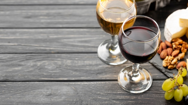 Wine and cheese variety for tasting Free Photo