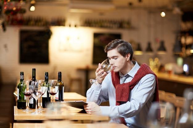 Wine tasting Free Photo