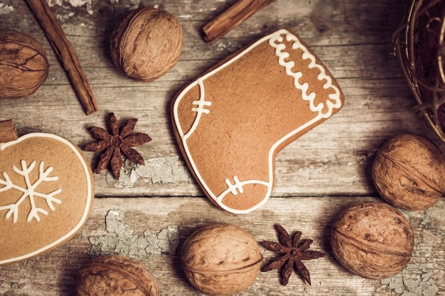Winter composition with gingerbread cookies Premium Photo