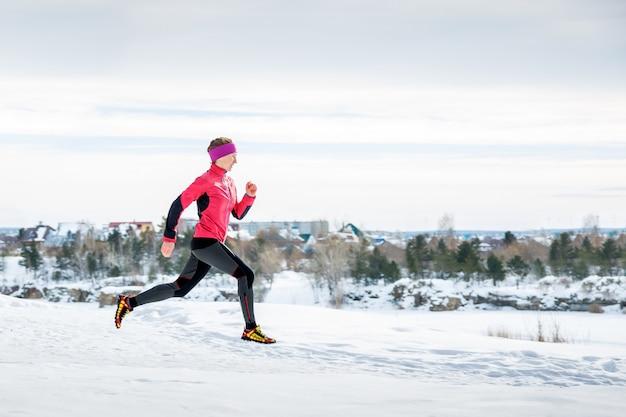 Winter running exercise Premium Photo