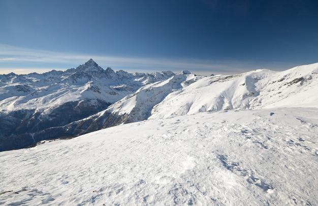 Winter scenic landscape in the italian Premium Photo