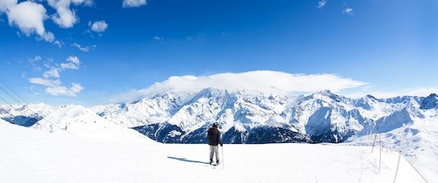 알프스에서 겨울 스키 파노라마 무료 사진