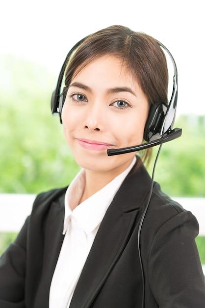 Woman customer call service Free Photo