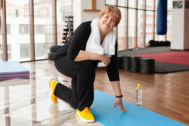 Woman at gym training Free Photo
