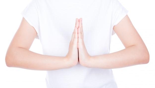 Женщина руки приветствие над телом, изолированных на фоне. Бесплатные Фотографии