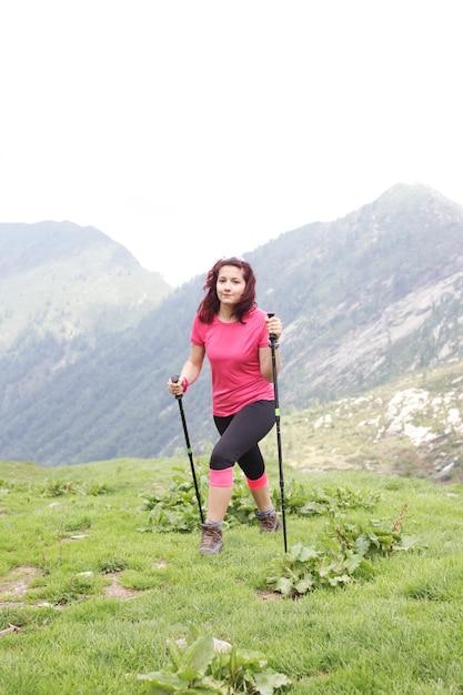 Woman hiker Premium Photo