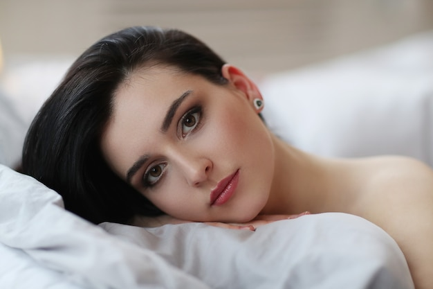Женщина в постели Бесплатные Фотографии