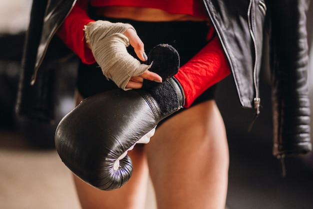 Боксёрские перчатки снятся к битве и соперничеству в любви, драке, если только вы не профессионально занимаетесь боксом.
