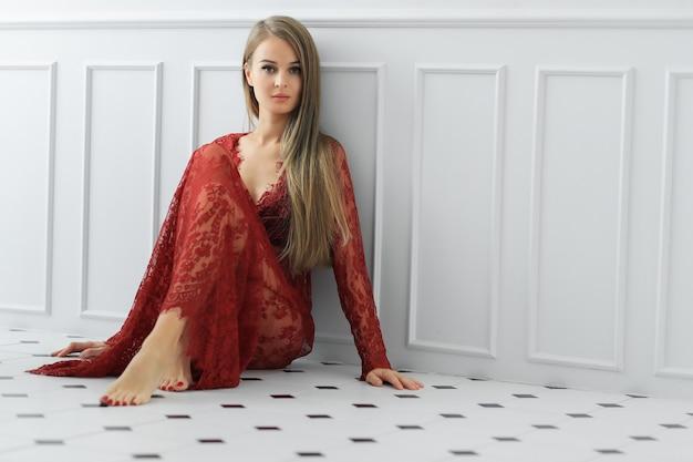 여자 드레스 포즈 무료 사진