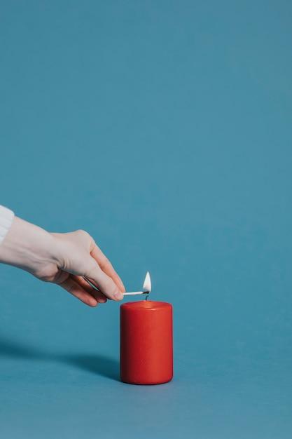 """Картинки по запросу """"свечу зажигает"""""""