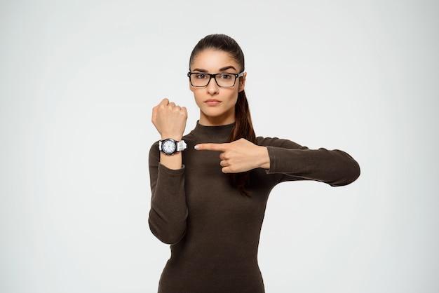 女性ポインティング時計、時間が不足しています 無料写真