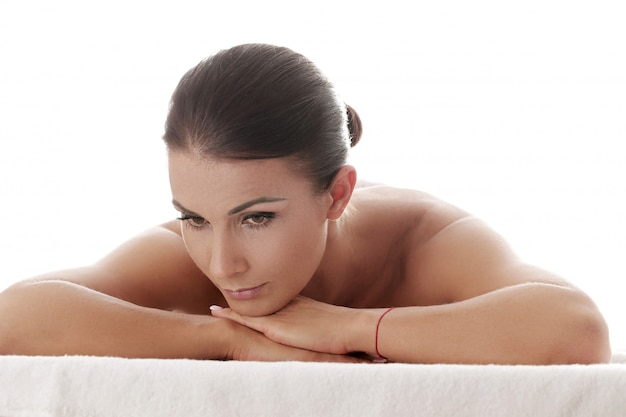 Woman receiving a relaxing massage at the spa Free Photo