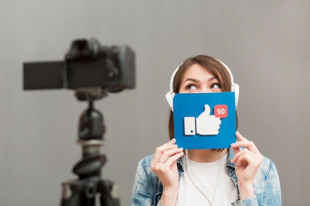 Woman recording for personal blog at home Free Photo