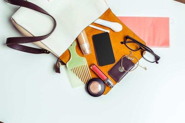 Woman's bag inside out Premium Photo