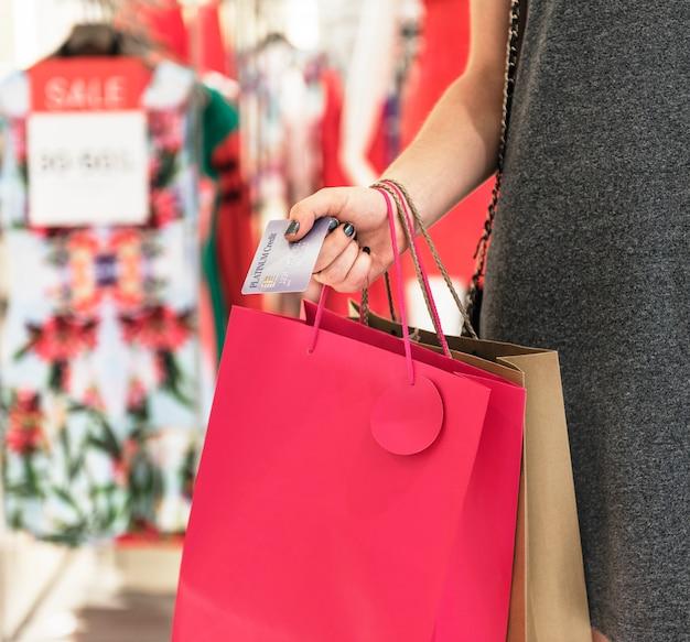 女性のショッピングコンセプト Premium写真