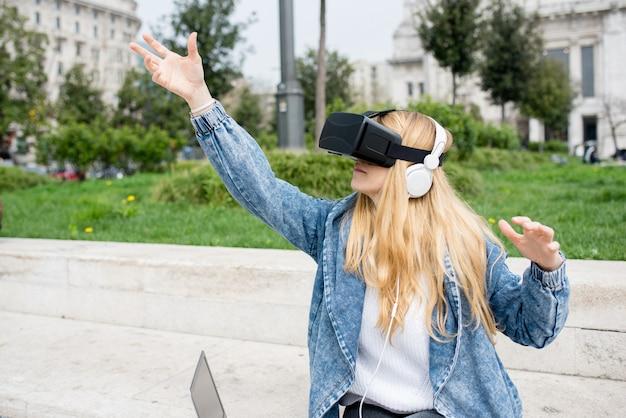 Woman using 3d viewer Photo   Premium Download