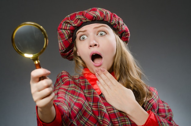 Woman wearing traditional scottish clothing Photo   Premium
