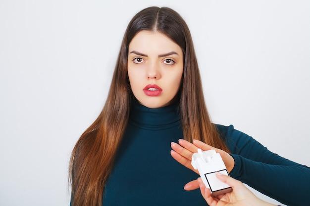 Woman with broken cigarette Premium Photo